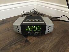 Vintage Zenith Z139S Instant Weather Alarm Clock Radio Am/Fm Green Led Euc