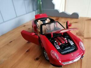 Ferrari F137 convertible red 4 seats diecast model car 1:18 by Hotwheels rare