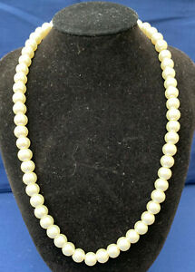 80's style Faux pearl string necklace costume jewellery