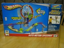 Hot Wheels Wall Tracks Auto Motion Speedway Starter Set NEW