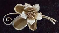 Gold colour gilt metal vintage Art Deco antique flower brooch B