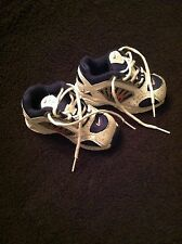 NIKE SHOES. SIZE 5 CHILD WHITE WITH NAVY & RED BACK TO SCHOOL