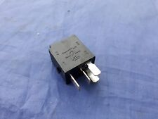 GENUINE MERCEDES BENZ RELAY <> 4 PIN <> 12v <> BLACK <> 20 AMPS