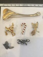 6 Brooches Lot Of