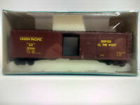 HO Scale Athearn 50' S/DR BOX CAR - UNION PACIFIC - UP #554216
