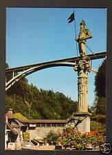 FRIBOURG (SUISSE) VOLKSWAGEN COMBI à la FONTAINE MONUMENTALE & PONT