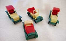 4 MATCHING VINTAGE ANTIQUE PLASTIC CARS HO SCALE