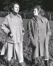 Penelope Keith & Angela Thorne 10 x 8 UNSIGNED photo - P1171 - To the Manor Born