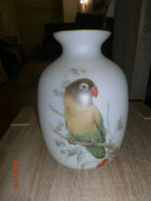 GORGEOUS VINTAGE PARAKEET FROSTED GLASS VASE