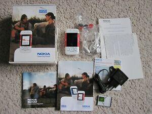 Nokia 5200 red