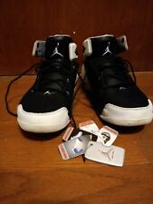 6887328380a carmelo anthony Nike Tennis Shoes White And Black Size 11