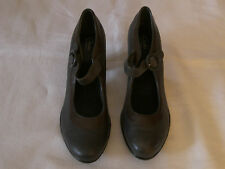 WOMENS CLARKS BENDABLES  LEATHER 3 INCH HEELS GRAY / BROWN SIZE 10
