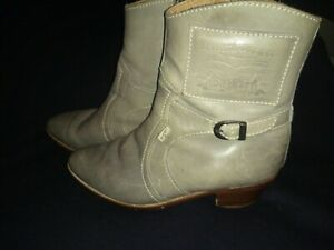 Designer Levi's Grey Ankle Boots Size 8 Cuban Heel Shoes full leather