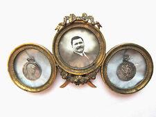 Cadre porte-photos 3 médaillons laiton doré, Guirlande de roses, Noeud Louis XVI