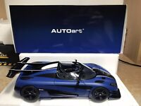 1:18 Autoart Koenigsegg One:1 Imperial Blue/Carbon Black