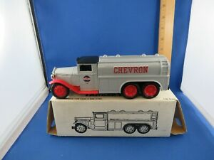 "ERTL CHEVRON DIE CAST COIN BANK 1930 DIAMOND ""T"" TANKER TRUCK 1:34 SCALE"