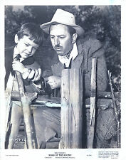 Snapshot WALT DISNEY with BOBBY DRISCOLL on set, Song Of The South, f16091