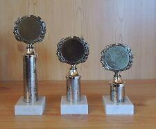 3 Pokale Serie gestaffelt mit Emblem #177 (Pokal Medaillen Gravur Jugend Fußbal)