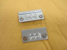 A Pair Apple (xserve G5 / Xserve G5 (january 2005)) small brackets p/n: 805-4733