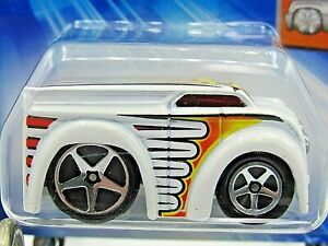 HOT WHEELS VHTF 2004 FIRST EDITIONS SERIES BLINGS DAIRY DELIVERY