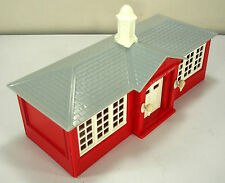BACHMANN PLASTICVILLE U.S.A. SC-4 / #1608 SCHOOL HOUSE