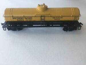 SOUTHERN PACIFIC 58577 HO Scale Gasoline Tanker Car, Gold and Black, Original