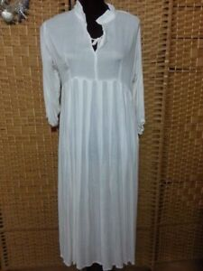 LADIES TREE OF LIFE WHITE DRESS FIT APPROX 12/14