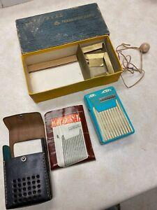 Vintage Universal Transistor Radio Teal Blue - Pan Am Giveaway