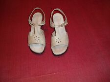 Munro American - Walking Wedge - Sz 8M - PreOwned Good Condition