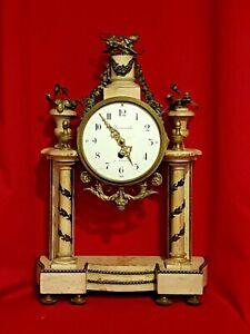 Horloge Ancienne en bois, style Louis XVI décoration bronze XIX ème s