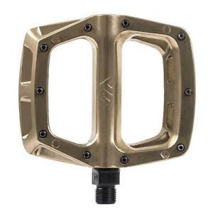 DMR V8 Aluminium Flat Platform MTB Pedals - Gold