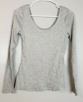 Who What Wear Women's Top Size XS Gray Long Sleeve Scoop Neck Shirt