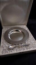 Coffret métal argenté assiette bébé à décors de cigogne et sa cuillère