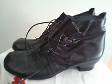 S FRATELITA CALSOLARI REGNATI womens leather boots, size 9.5 US, made in Italy