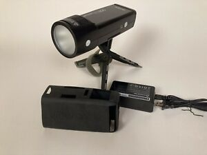 Godox AD200 Pocket Flash With Round Head & Charger. Mint-