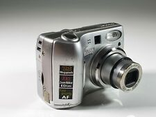 Nikon CoolPix 7600 7.1 MPx Digital camera 3X Optical Zoom Made in Japan!