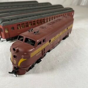 Lot of 5 ATHEARN HO Pennsylvania F7A Diesel Locomotive 9506-A  & 4 Passenger Car
