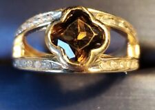 ring with Diamonds on both sides. Woman 10 karat yellow gold flower style