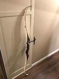 """SIGNED By FRED BEAR VICTOR PATRIOT WITH FASCOR RECURVE BOW RH 23# 61 1/4"""" LONG"""