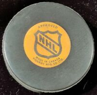 HARTFORD WHALERS VINTAGE VICEROY made in CANADA NHL APPROVED OFFICIAL GAME PUCK