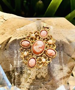 Vintage Signed Avon Gold Tone Avon Pink & White Cameo Style Faux Pearl Pendant