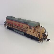 Bachmann HO Scale Train UNION PACIFIC Locomotive Engine Gold / Red No box