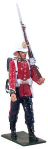 W BRITAINS REDCOATS 44029 PRIVATE, 24TH FOOT MARCHING, 1879 (UV6)