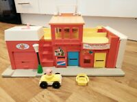 1970s Vintage Fisher Price Play Family Village Buildings Playset Retro Toys