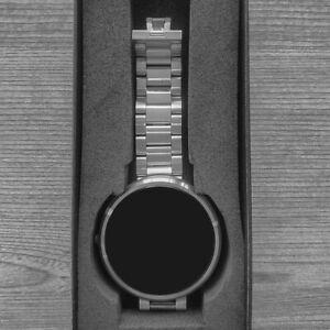 Motorola Moto 360 (1st Generation) With 46mm Metal Case, Touchscreen, Microphe