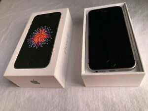 Apple iPhone SE 32GB - Space Gray (Unlocked) A1662 (CDMA + GSM)