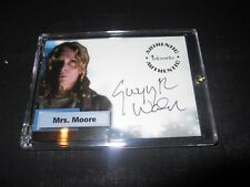 Smallville Autograph Trading Card Gwynyth Walsh as Mrs.Moore #A16 (Holder)