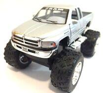 Dodge Ram 1500 V8 pickup Monster truck off Road 1:44 scale diecast Model Silver