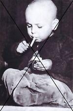 """curiosité , oddities : photo """" enfant fumant """""""