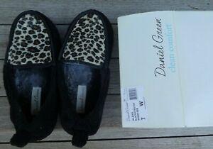 Women's Daniel Green Clean Comfort Terry Cloth Slippers Black Cheetah 7 W New